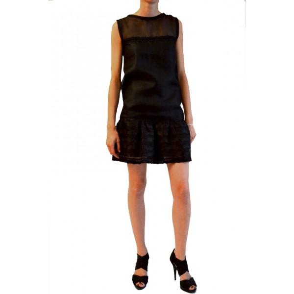 robe de soir e de cr ateur robe taille basse volant. Black Bedroom Furniture Sets. Home Design Ideas
